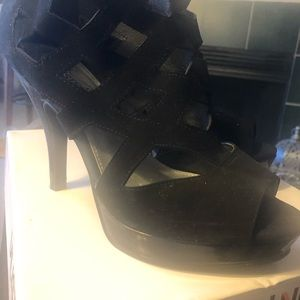 Unlisted by Kenneth Cole production! Black suede!